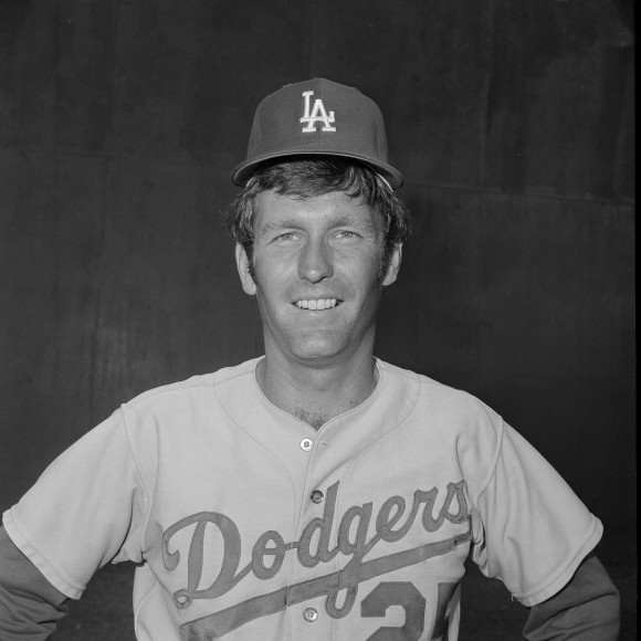 Death of Father of 'Tommy John Surgery' Highlights Tommy John's ...